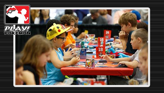 Vorbereitung auf ein Turnier des Pokémon-Sammel-<br />kartenspiels